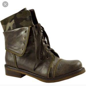 Baker's | Camo Combat Boots